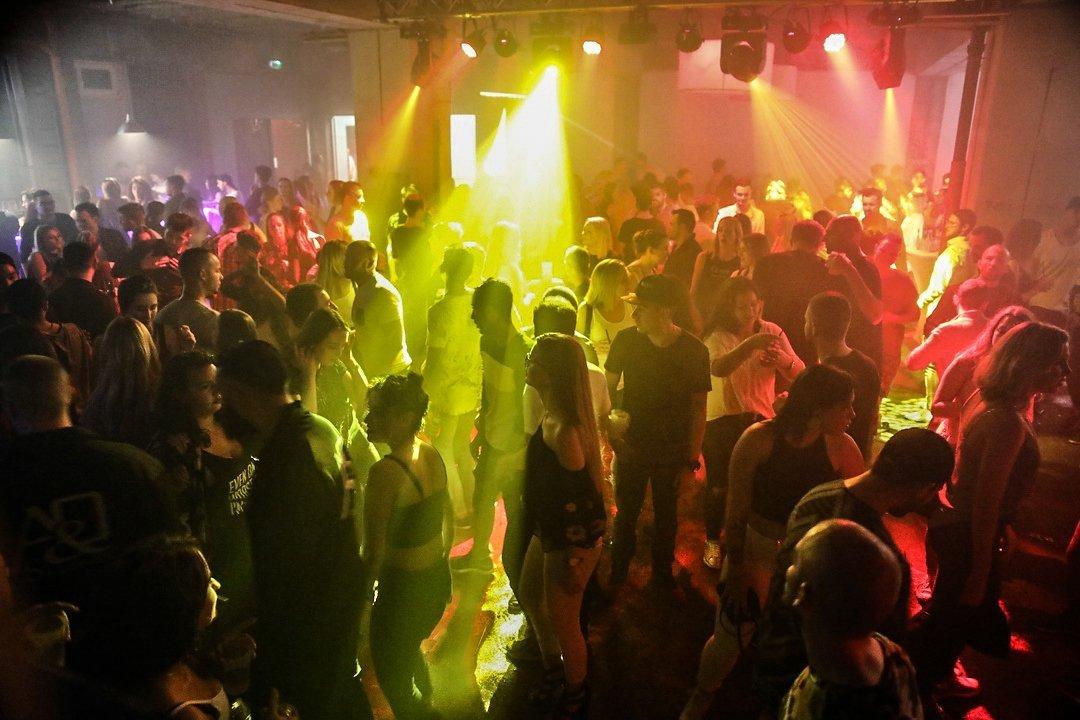 Black-2-Vibes-Nylon-Club-Rottweil-2102017-Bodensee-Community-SEECHAT_DE- (46)